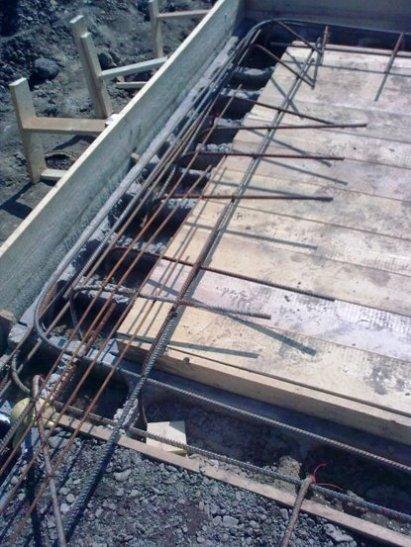 Montáž hydroizolační vložky proti tlakové vodě zaš.stropu